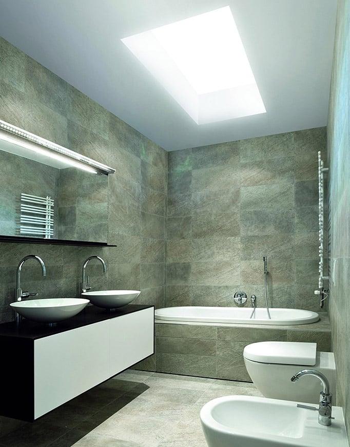 Interior baño Claraboya Sunlight de Maydisa