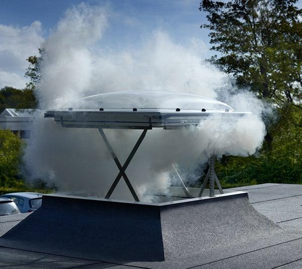 Ventana VELUX para la extracción de humos y calor