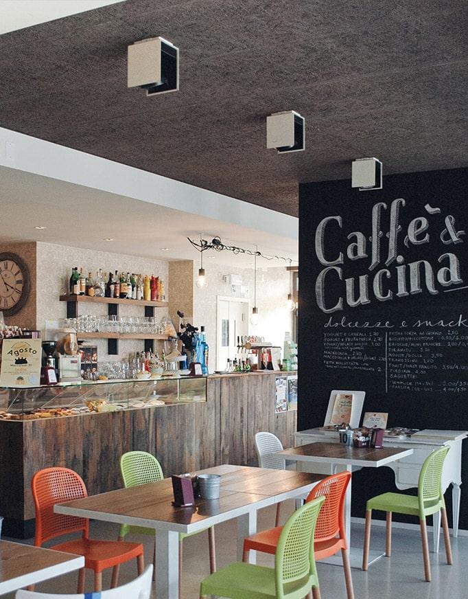 Cafetería, detalle de celenit, aislante termoacústico natural de Maydisa