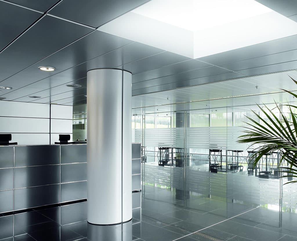 Detalle interior oficinas claraboya Sunlight de Maydisa