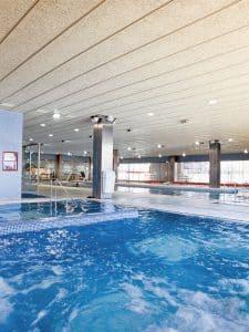 Instalaciones de una piscina con Celenit
